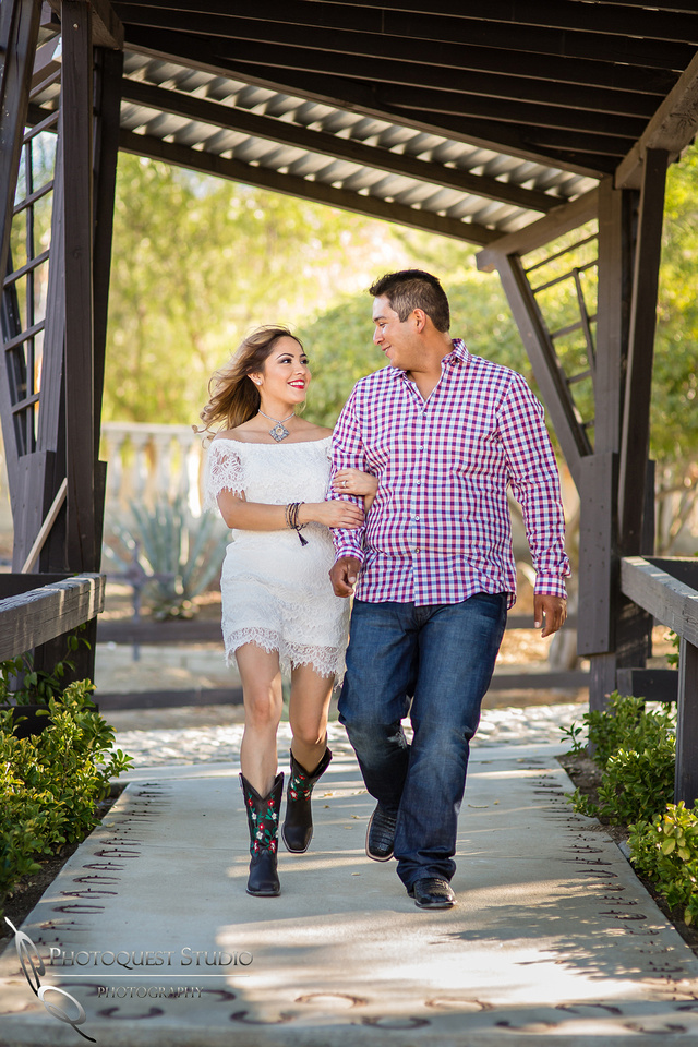 run with me by wedding photographer in temecula