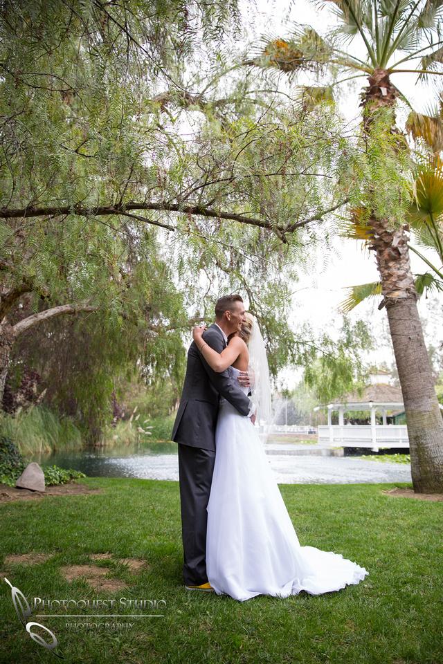 Wedding 1st look at the Orchard, Wedgewood Wedding in Menifee by Temecula Wedding Photographer