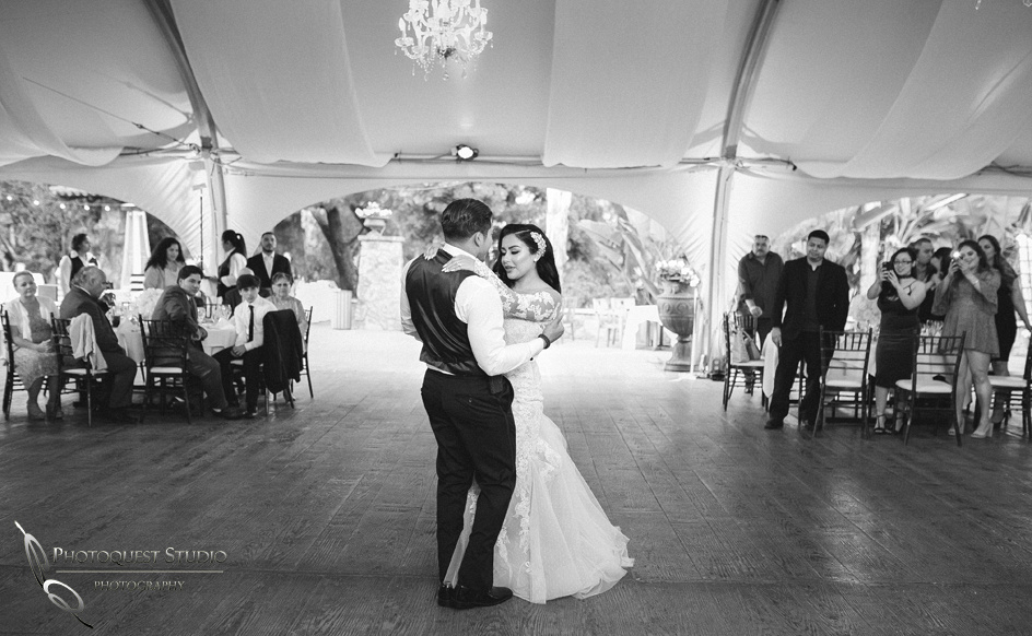 Temecula Wedding Photographer, the first dance