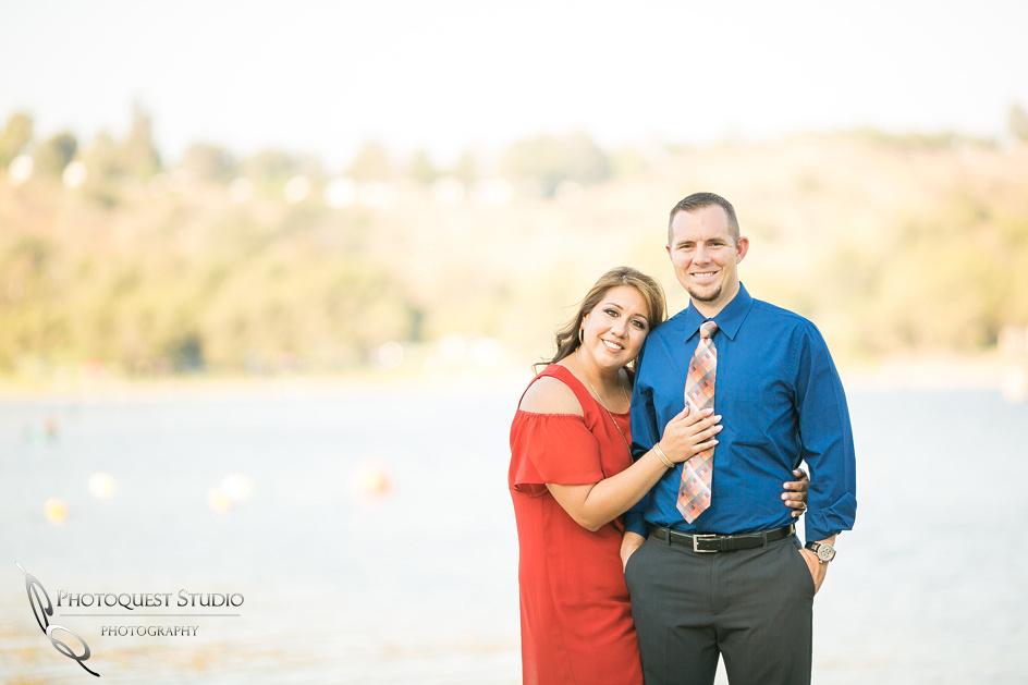 Temecula-Wedding-Photographer,-Engagement-Photo-at-Frank-G-Bonelli-park,-Marlene-and-Tim-(3)