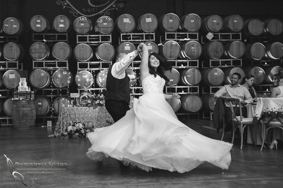 Wedding Photo at Leoness Cellars by Temecula Winery Photographer, Cynthia and Adam (57)