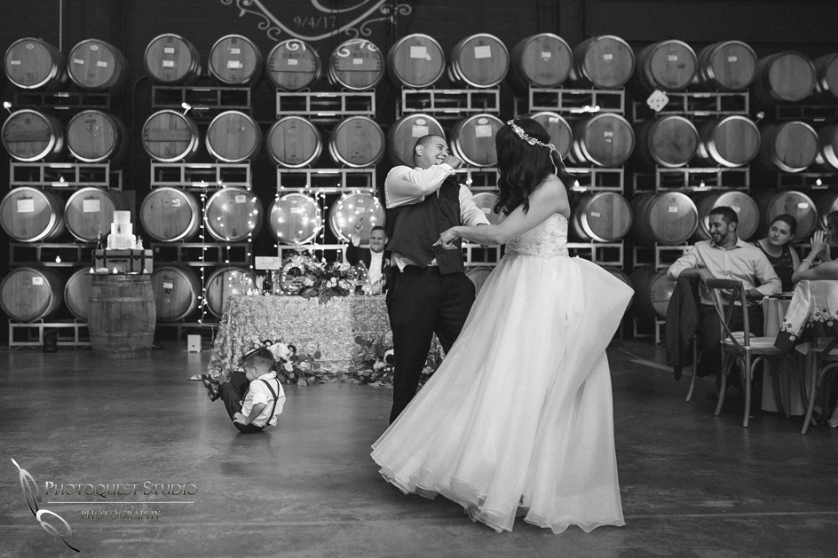 Wedding Photo at Leoness Cellars by Temecula Winery Photographer, Cynthia and Adam (58)