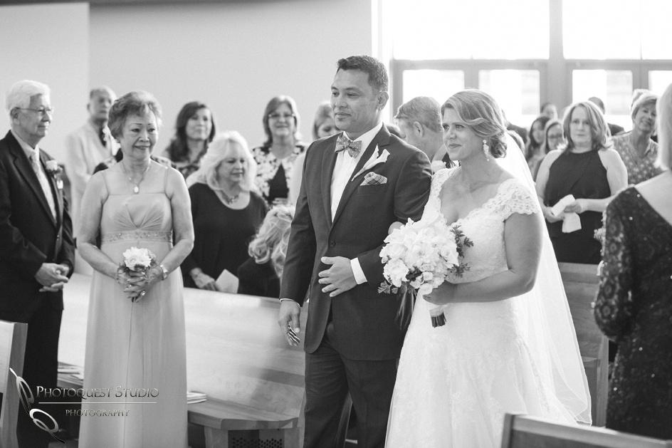 Wedding-at-Omni-Resort,-Spa-and-St-Thomas-catholic-Church,-Carlsbad,-Camp-Pendleton,-San-Diego,-California,-Dawn-and-Jon-(14)