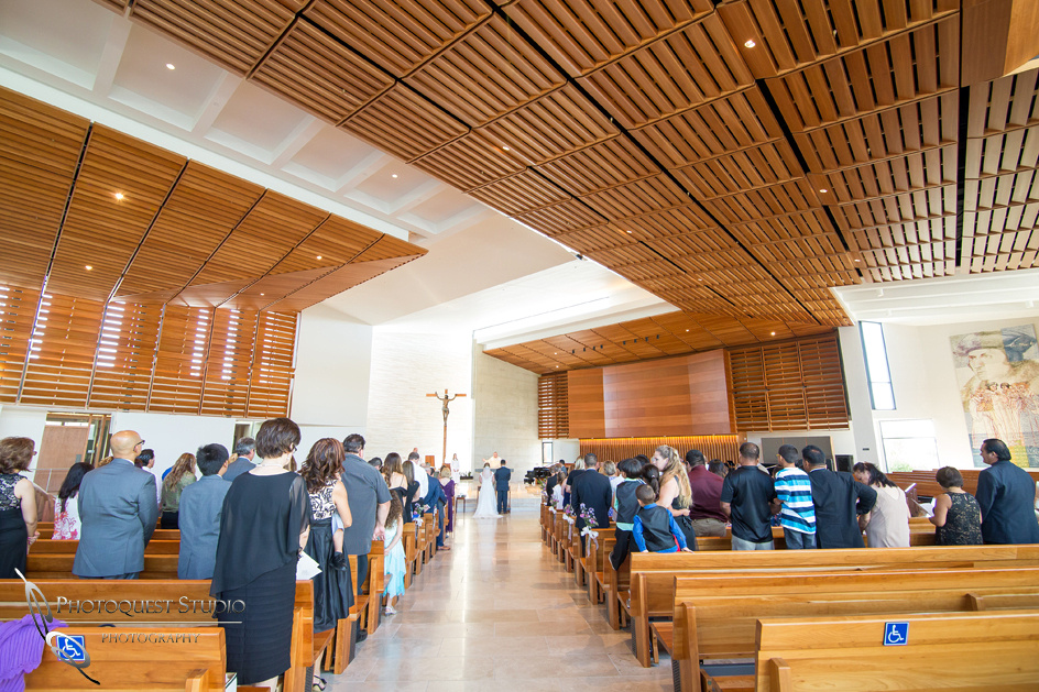 Wedding-at-Omni-Resort,-Spa-and-St-Thomas-catholic-Church,-Carlsbad,-Camp-Pendleton,-San-Diego,-California,-Dawn-and-Jon-(16)
