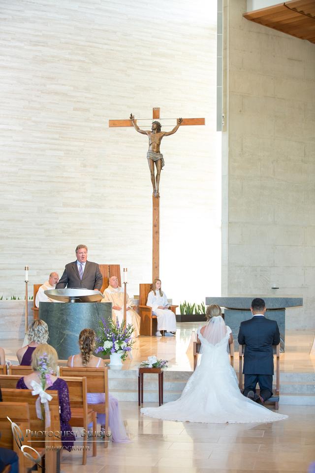 Wedding-at-Omni-Resort,-Spa-and-St-Thomas-catholic-Church,-Carlsbad,-Camp-Pendleton,-San-Diego,-California,-Dawn-and-Jon-(18)