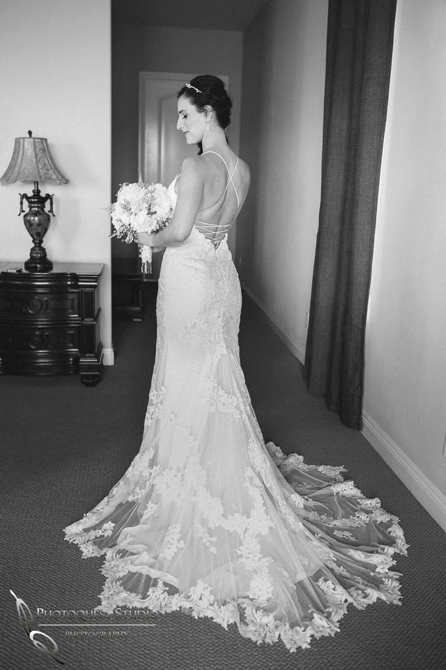 Temecula Wedding Photographer, Bride in b&w