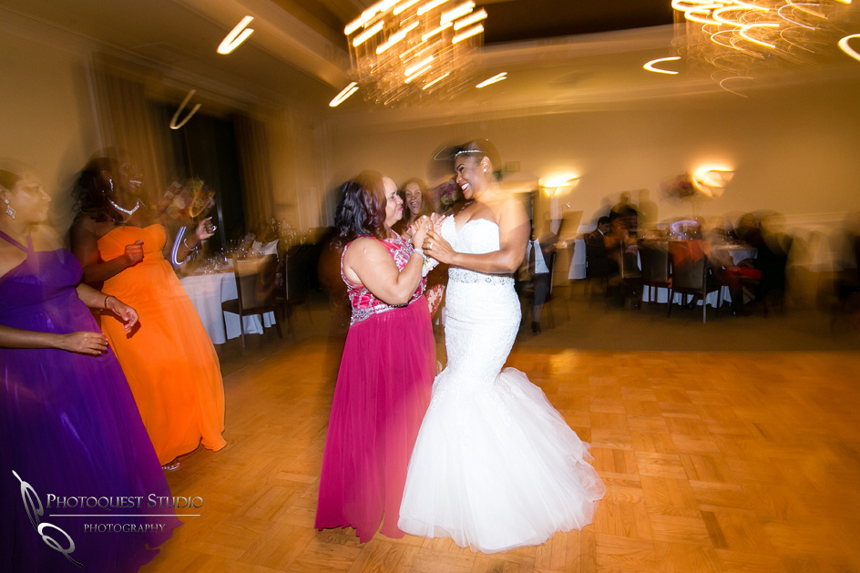 Los-Angeles-Wedding-Photographers-at-Castaway-Burbank