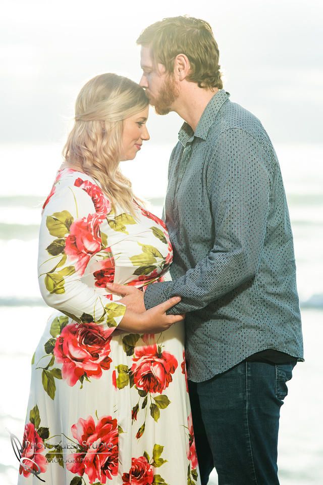 Briana's-Maternity-Photo-at-La-Jolla-Beach,-San-Diego-by-Temecula-Wedding-Photographer-22
