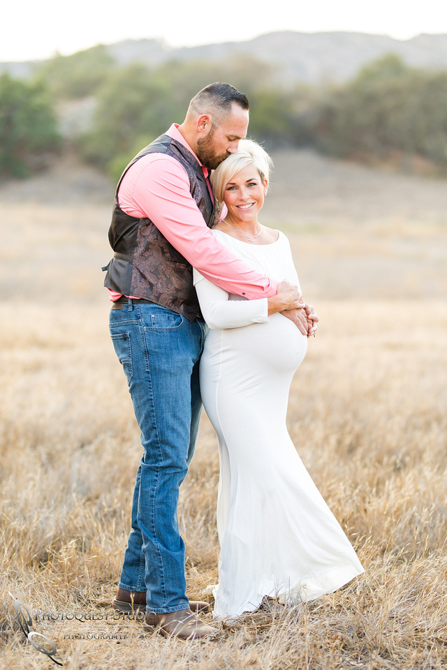 Maternity Photo in Temecula by Wedding Photographer