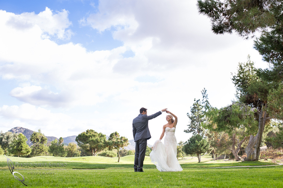 Dancing at Golf court Wedding by temecula fallbrook Photographer