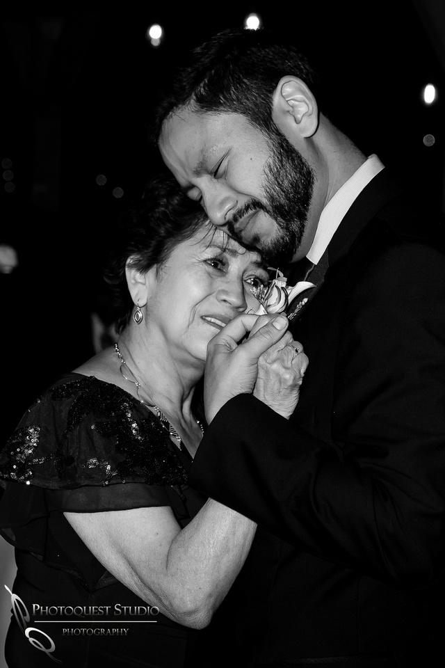 Temecula-Photographer,-Wedding-in-San-Diego,-Angela-&-Ivan--(781)