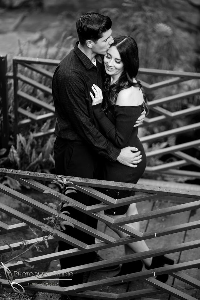 Black & White, Wedding-Photographer-in-Temecula,-Fallbrook,-San-Diego,-Engagement-Photo