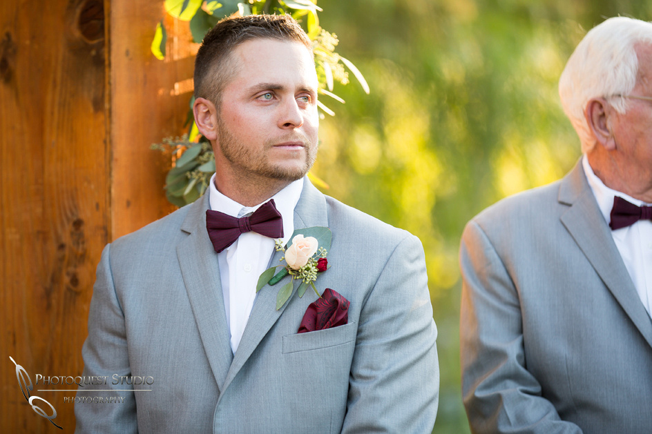 Wedding-Photo-at-Lake-Oak-Meadows-by-Temecula-Wedding-Photographer---Lindsey-&-Kyle-400