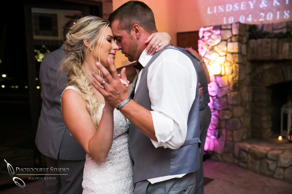 Wedding-Photo-at-Lake-Oak-Meadows-by-Temecula-Wedding-Photographer---Lindsey-&-Kyle-1062