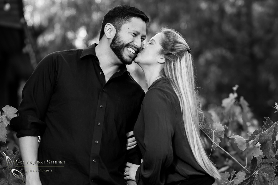 kissing him by wedding photographer in temecula