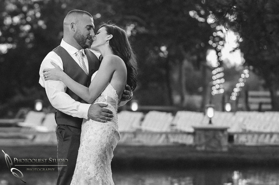 Black and White Wedding photo at Temecula Winery by Photographer of Photoquest Studio
