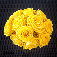 Temecula-Wedding-Photographer-at-Wiens-Family-Cellar-Winery-Bride-&-Groom-Tasting-Dinner-(6)---Yellow-Roses-by-MFG-Floral