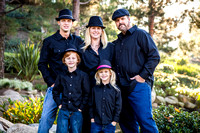 Family-Photo-with-hats-at-Redhawk-Waterfall-in-Temecula