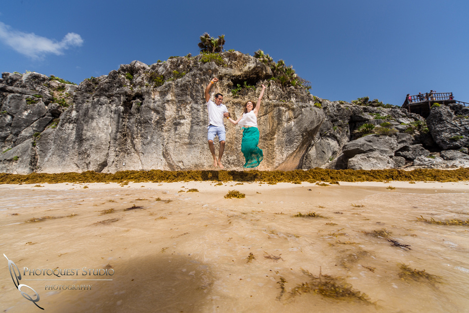 jumping, honeymoon photo in cancun mexico