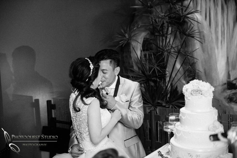 Eating cake, Brodard Chateau Wedding