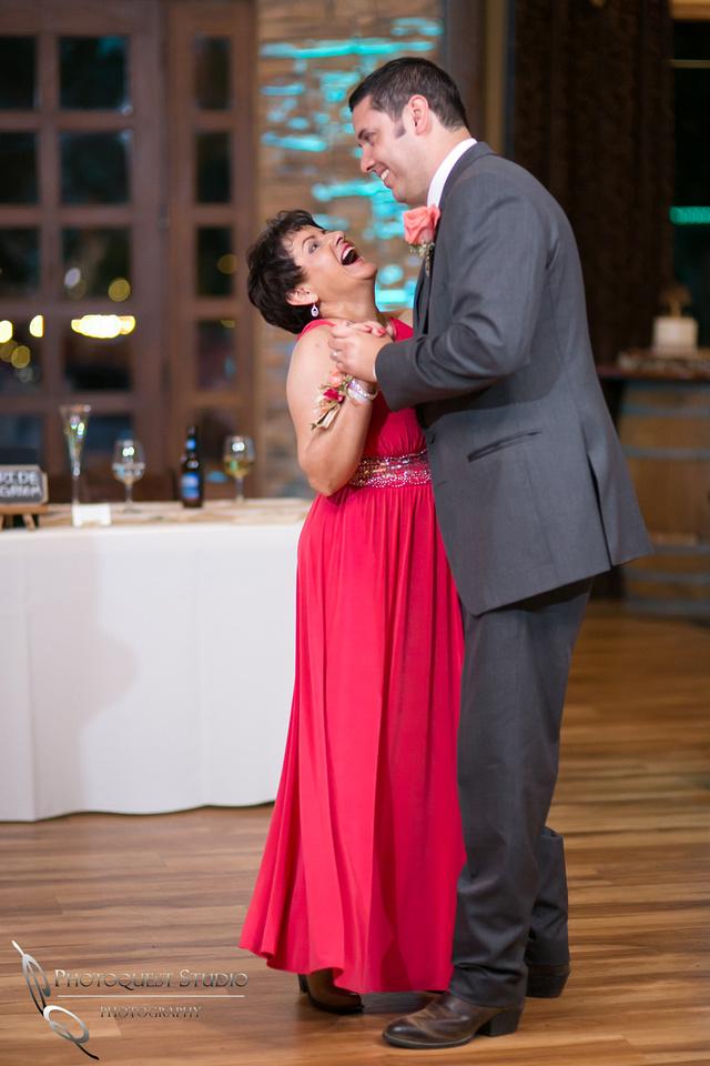 Longshadow-Ranch-Winery-wedding--by-Wedding-Photographer-in-Temecula