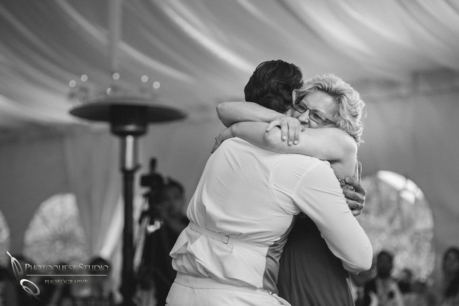 Temecula-Wedding-photographer-at-Grand-Tradtion-Estate-Fallbrook---Vanessa-and-Art
