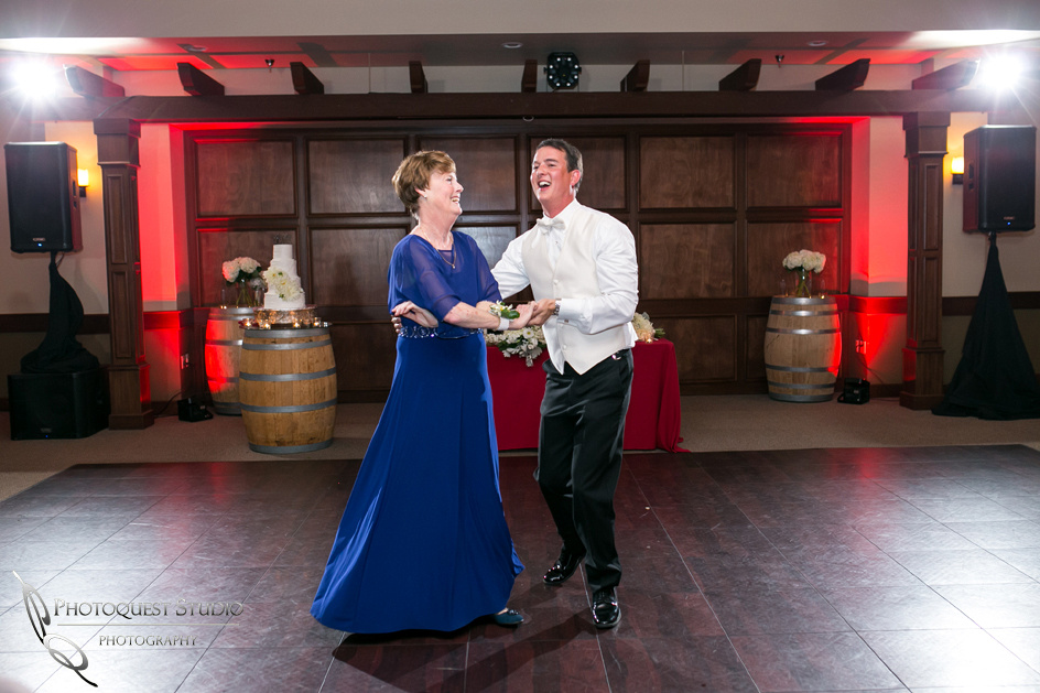 Wedding-Photo-at-Wiens-Family-Cellars-Winery-by-Temecula-Wedding-Photographer-