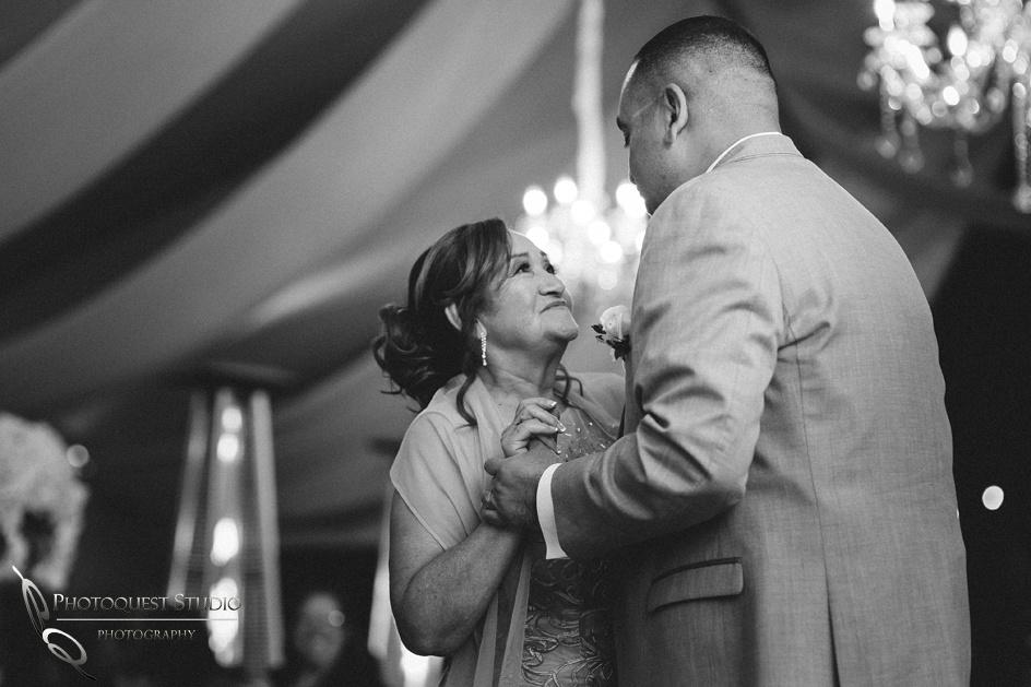 Wedding-photo-in-Fallbrook-Pala-Mesa-Resort-by-Temecula-wedding-photographer