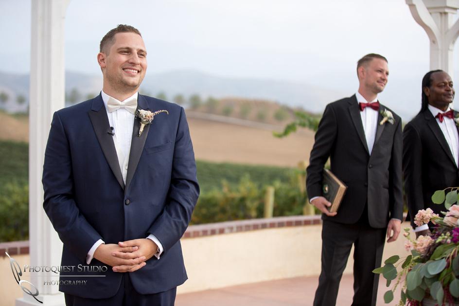 groom what the bride enter wedding ceremony