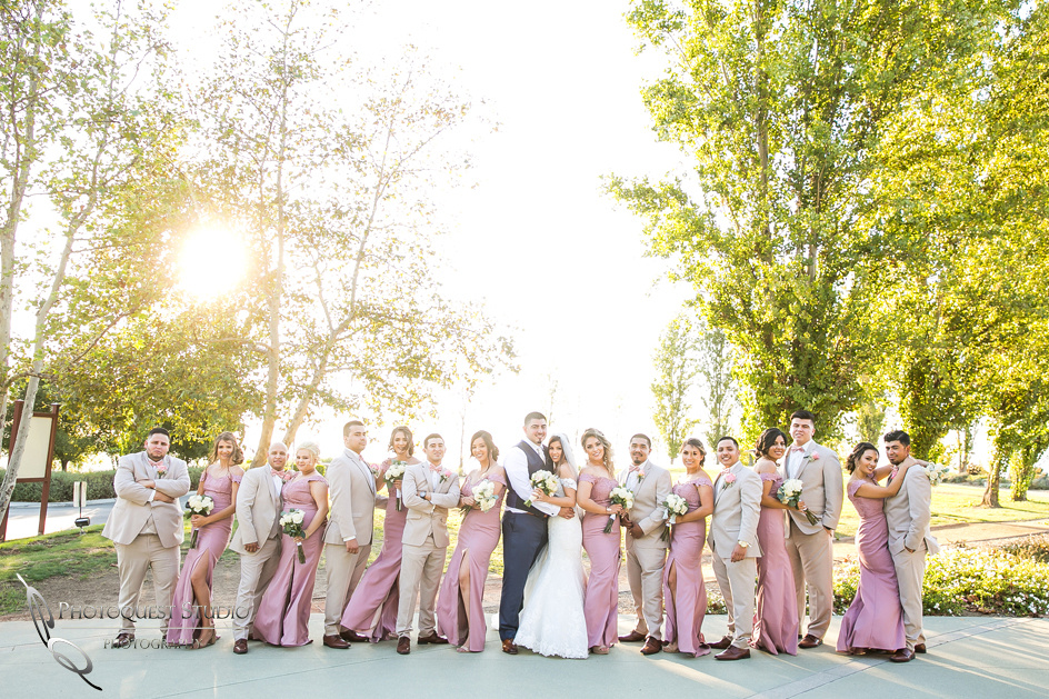 Temecula-Wedding-Photographer with bridedal party at sunset