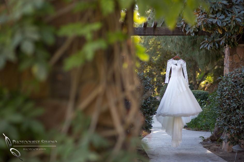 Suzanne Neville, London Wedding Dress by Temecula Wedding Photographer