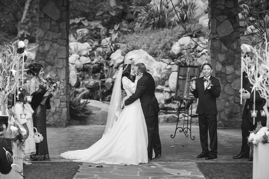 the first kiss, Temecula Wedding Photographer