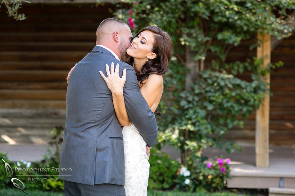 first-look-wedding-photo-at-lake-oak-meadows-by-wedding-photographer-in-temecula,-Photoquest-studio-(16)