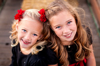 2-beautiful-girls-at-Temecula-winery