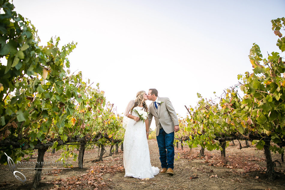 Sweet love at Longshadow Ranch Winery by Temecula Wedding Photographer