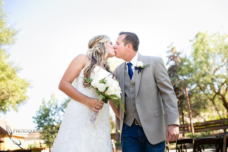 Wedding at Longshadow Ranch Winery by Temecula Wedding Photographer (19)