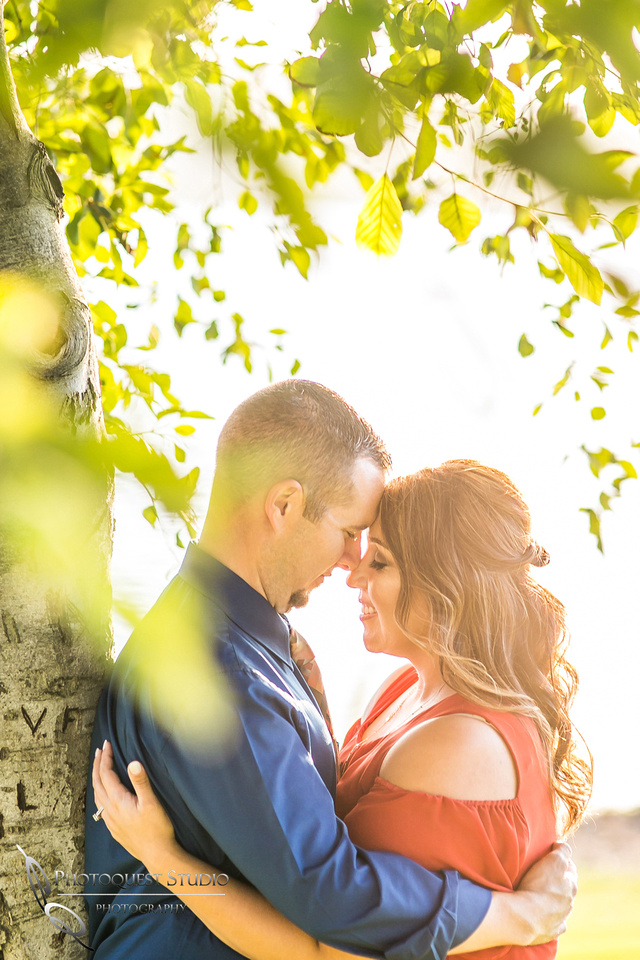 Frank-G-Bonelli-park engagement photo