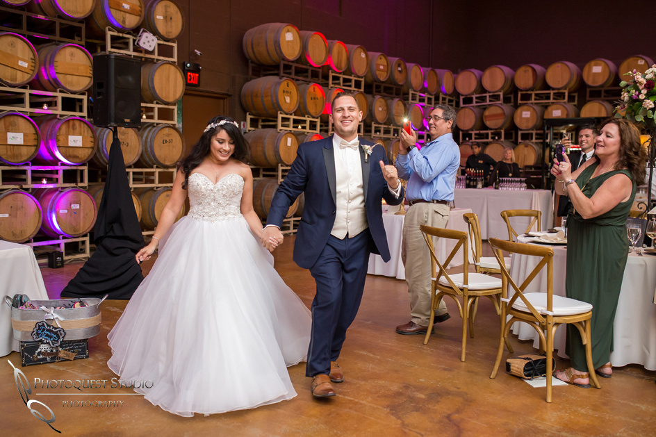Wedding Photo at Leoness Cellars by Temecula Winery Photographer, Cynthia and Adam (51)