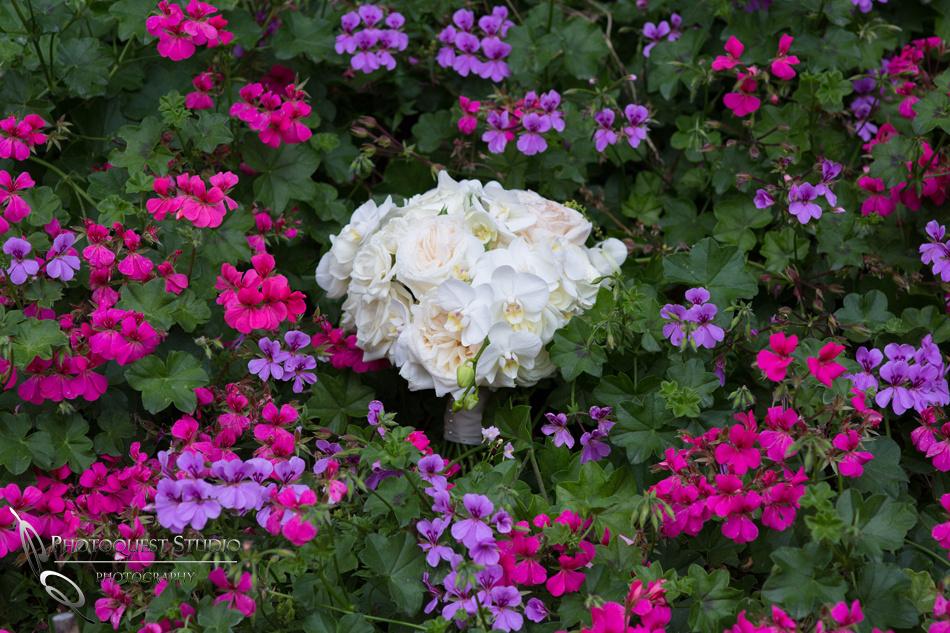 White roses bouquet at Pala Mesa Resort Fallbrook by Temecula Wedding Photographer