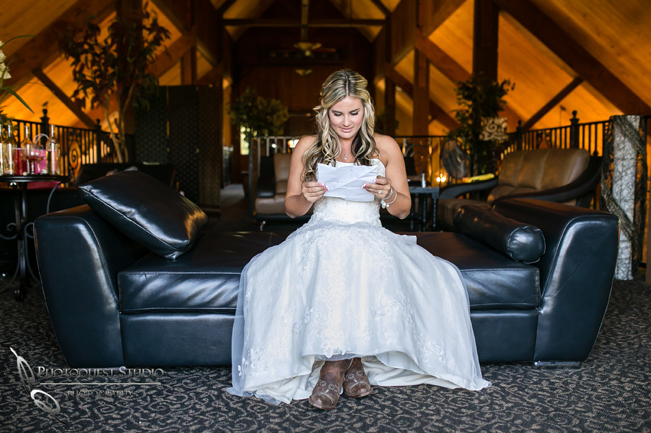 Temecula Wedding Photographer, Bride reading his letter