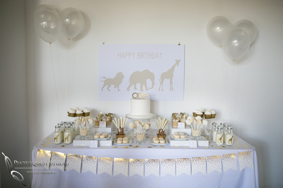 White and Gold theme - desert table