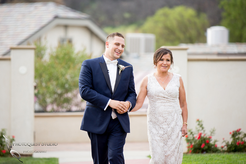 Wedding Photo at Leoness Cellars by Temecula Winery Photographer, Cynthia and Adam (20)