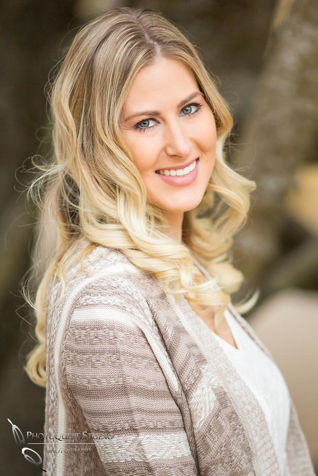 Lindsey gorgeous headshot