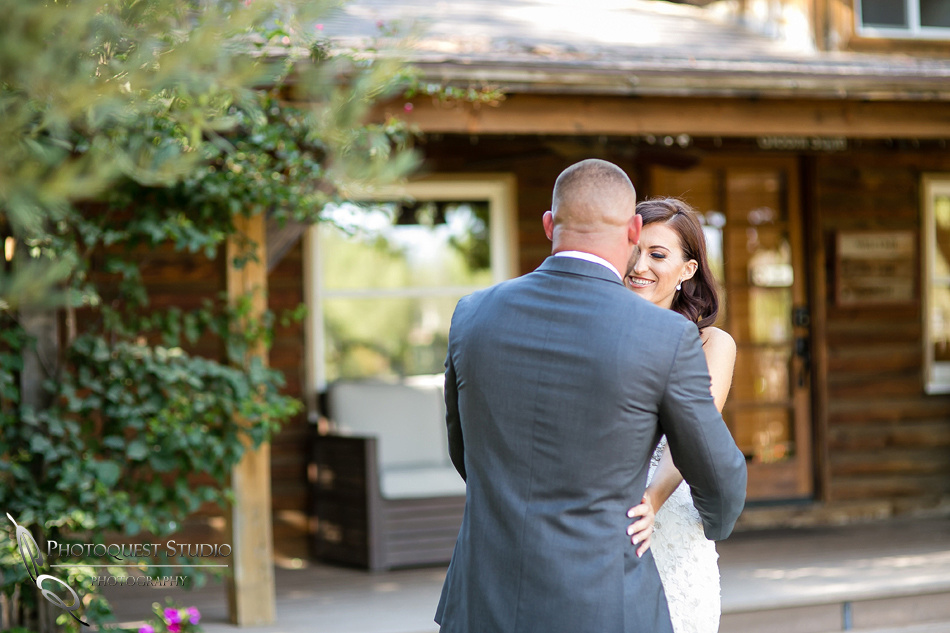 first-look-wedding-photo-at-lake-oak-meadows-by-wedding-photographer-in-temecula,-Photoquest-studio-(14)